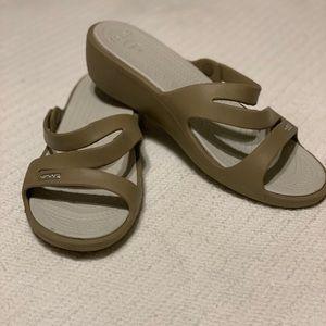 Crocs wedge slide sandal 🐊